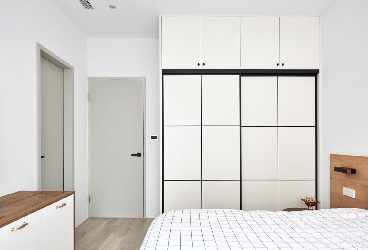 square closet bedroom