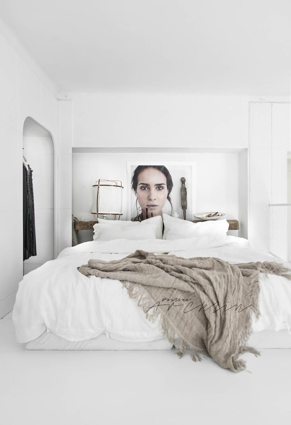 artistic white bedroom-design