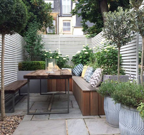 Garden Table for Minimalist Small House