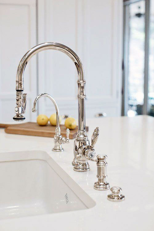 Modern separated spray faucet