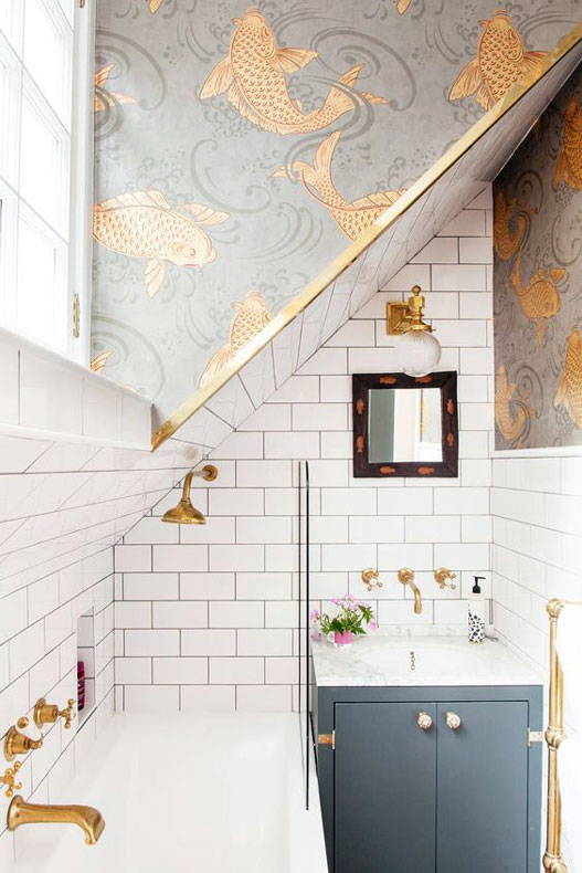Simple Small Bathroom Decor Brings The Ease Inside Of It ...