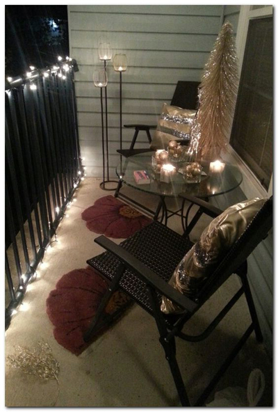 christmas apartment balcony decor 1
