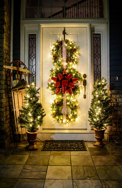 entrance door christmas wreath
