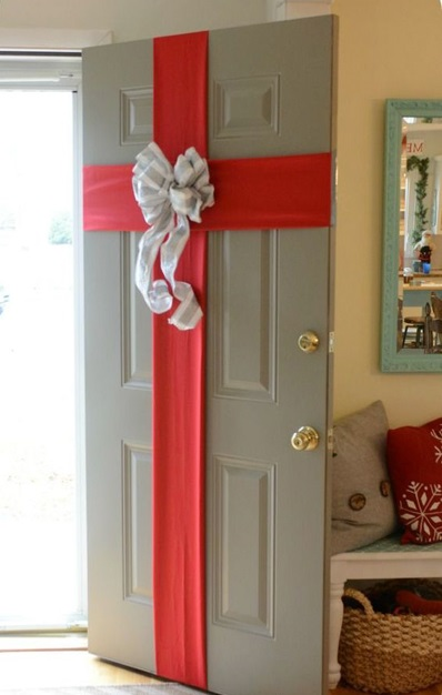 entrance door ribbon decoration