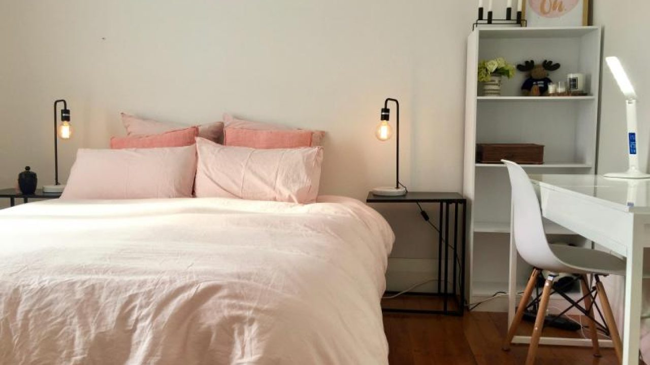 Korean Style Bedroom That You Can Apply in Your House - RooHome