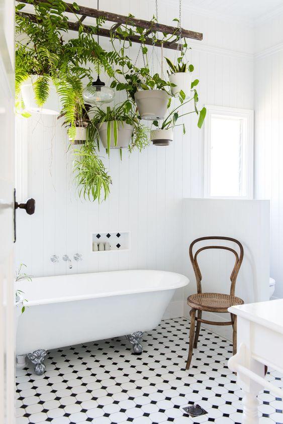 Interesting Bathroom Decors