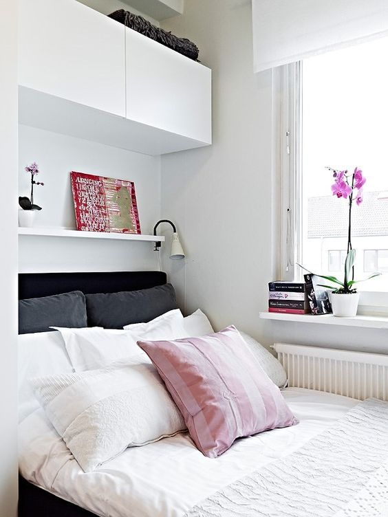 Simple Small Bedroom Decoration