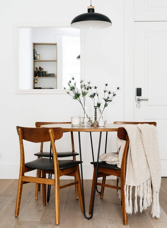 Simple Plants to Beautify The Dining Room