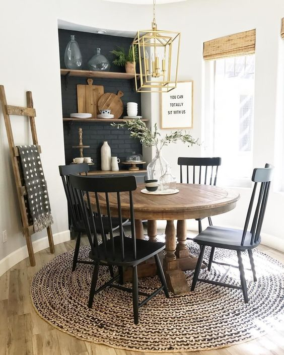 Beautiful Dining Room Decor with Carpet