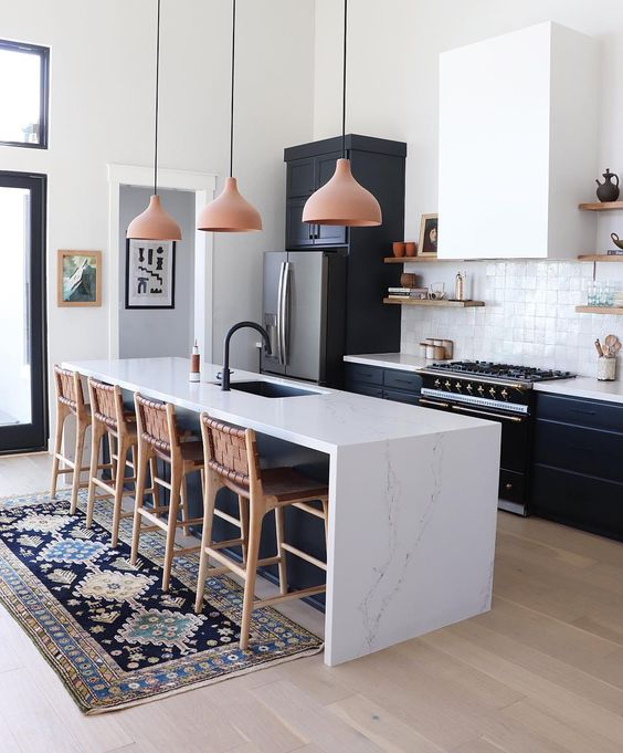 sweet monochrome kitchen with wood elements