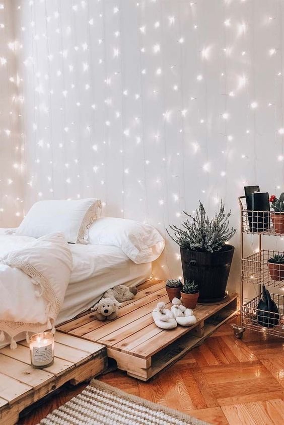 beautiful bedroom decor with string light