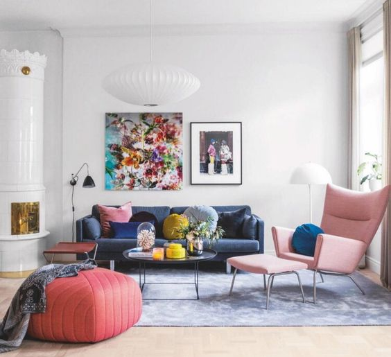Colorful wall decoration to make a joyful living room