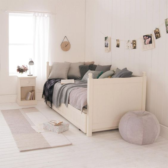spacious bedroom decor ideas
