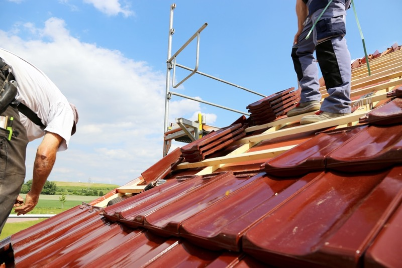 Tips For Choosing a Roofing Contractor - RooHome